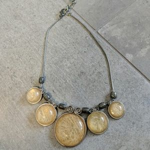Jewelry - Silver tone necklace